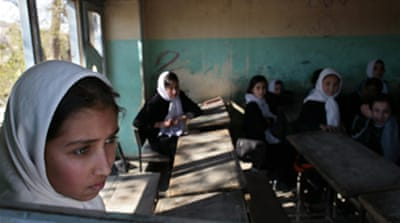 Afghan school girls 'poisoned'