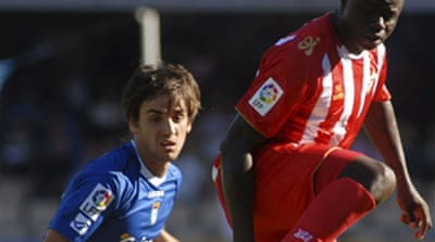 Xerez and Barca keep hopes alive