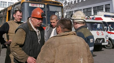 Russia mine death toll rises