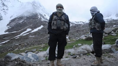 Fog hampers Afghan crash search