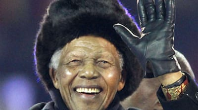 Mandela delights World Cup fans