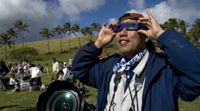 Eclipse wows Easter Island