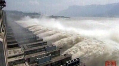 Flooding tests China giant dam