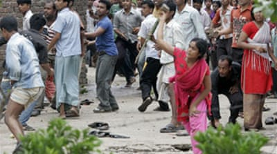 Bangladesh workers riot over wages