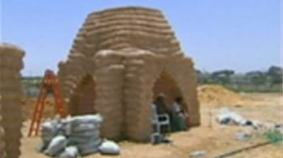 Sand houses defy Gaza shortages