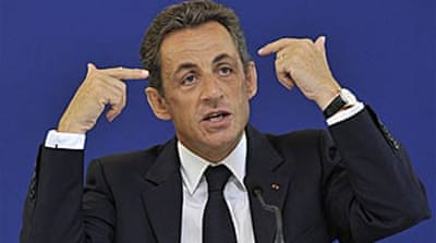 Sarkozy faces French nation on TV