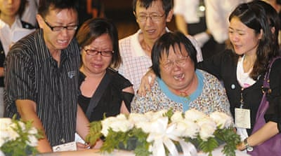 Hong Kong mourns hostage victims
