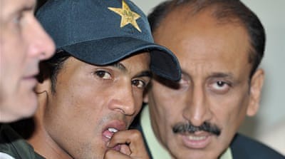Pakistani cricket trio suspended