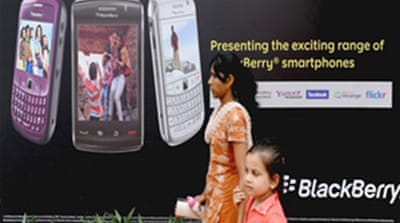 India lifts Blackberry ban threat