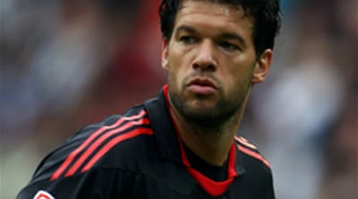 Ballack wins armband back from Lahm
