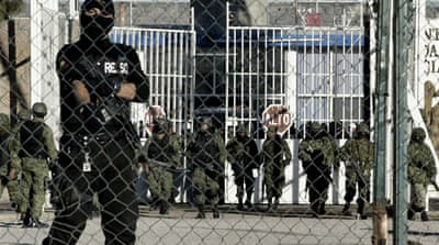 Scores of inmates flee Mexico jail