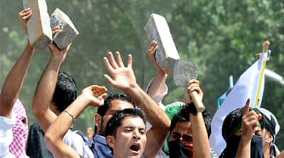 Fresh clashes hit Indian Kashmir