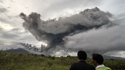 Volcano erupts again in Indonesia
