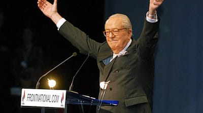 Far-right leader Le Pen steps down
