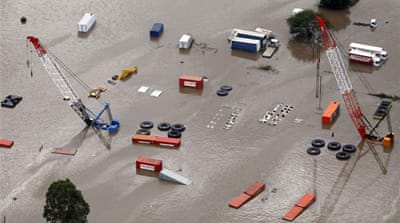 Floods spread to Australia's south