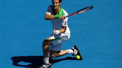 Murray breezes into quarters