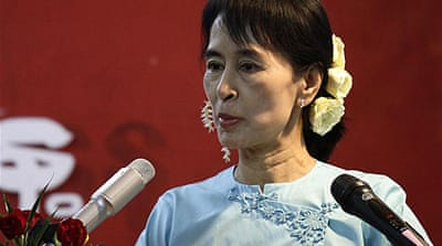 Suu Kyi party presses for sanctions