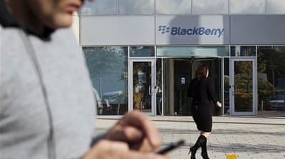 BlackBerry maker says service fully restored