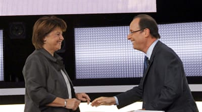 Socialists elect Hollande to face Sarkozy