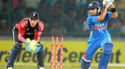 England watch India run away with second ODI