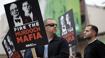 Shareholders rally against Rupert Murdoch