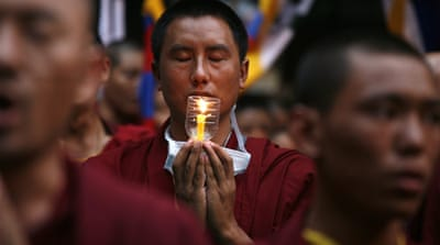 Tibetan monk 'sets himself ablaze' in China