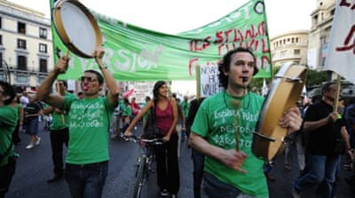 Spanish students decry education cuts