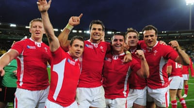 Wales power past Ireland into semis