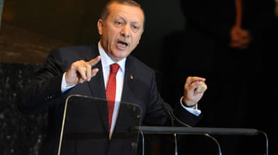Turkish PM says Syria on 'knife edge'