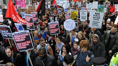 Thousands march against UK education fees