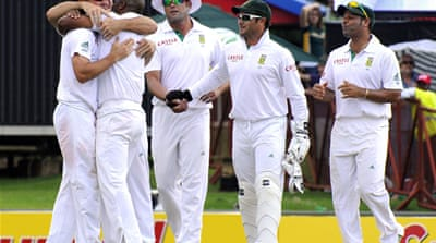 South Africa destroy Sri Lanka in first Test