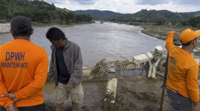 Philippines storm triggers deadly floods