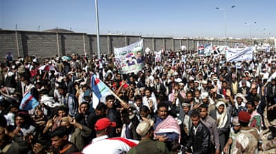 Yemenis march to 'bring down regime'