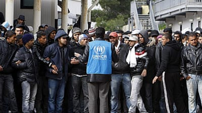 Tunisian migrants land in Italy