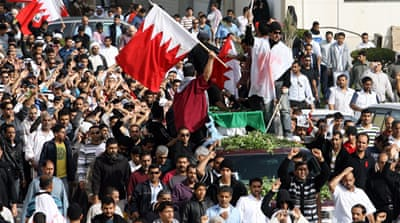 Bahrain protesters hold ground
