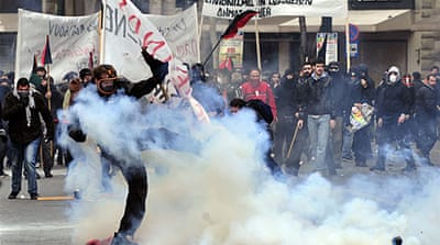 Clashes break out at Greek protests