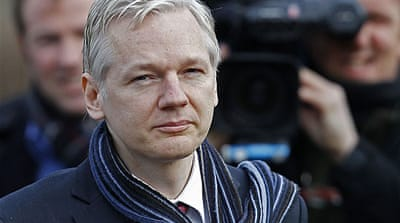 Judge approves Assange extradition