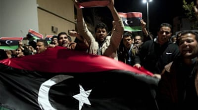 Gaddafi rivals close in on Tripoli