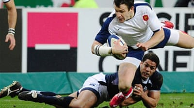 France get off to winning start