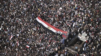 Protests swell at Tahrir Square