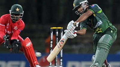 Pakistan storm into quarter-finals