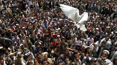 'Dozens injured' in renewed Yemen protests