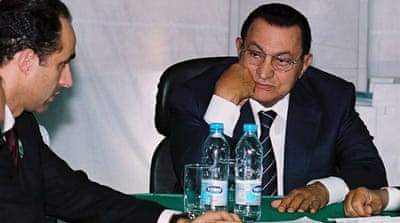 Mubarak and sons detained in Egypt