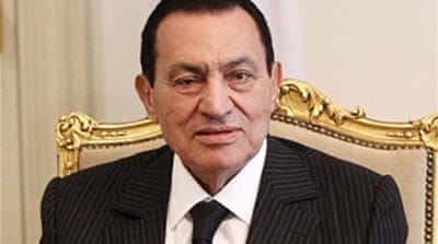 Egypt prosecutors extend Mubarak detention