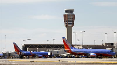 Southwest cancels hundreds of flights