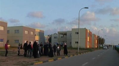 Women flee Libya fighting