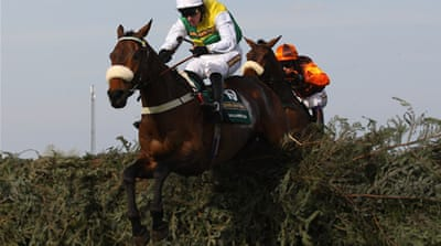 Ballabriggs wins Grand National