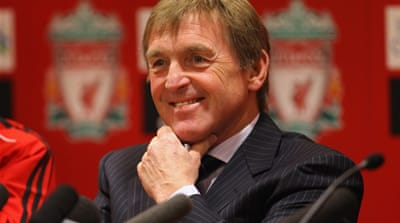 Dalglish signs three-year deal with Liverpool