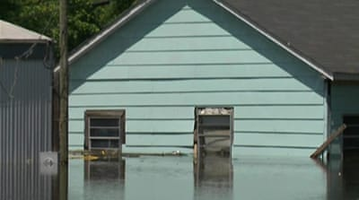 Poor suffer as Mississippi levels rise