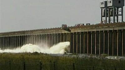 US army opens Mississippi spillway